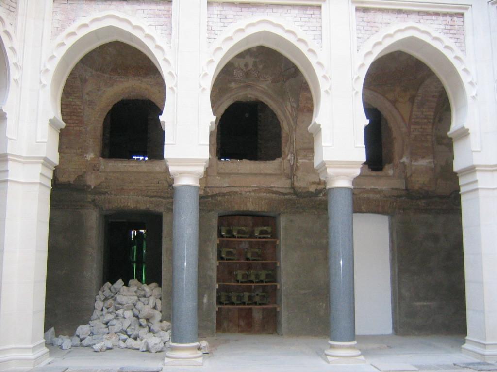 L'installazione di Kounellis alla Biblioteca nazionale di sarajevo