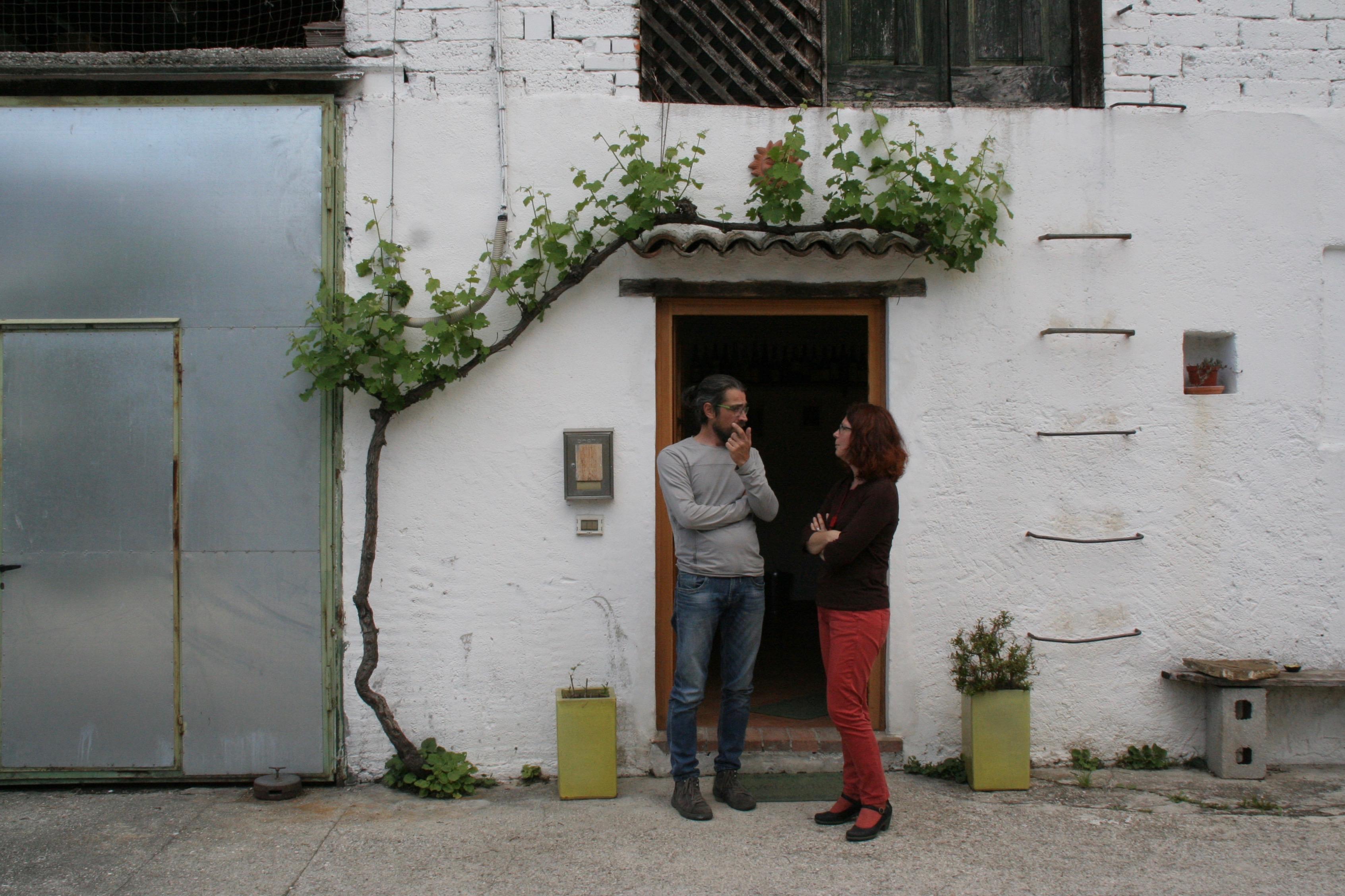 Lorenzo Mocchiutti dei Vignai da Duline con l'autrice Simonetta Lorigliola (Foto L. Monasta)
